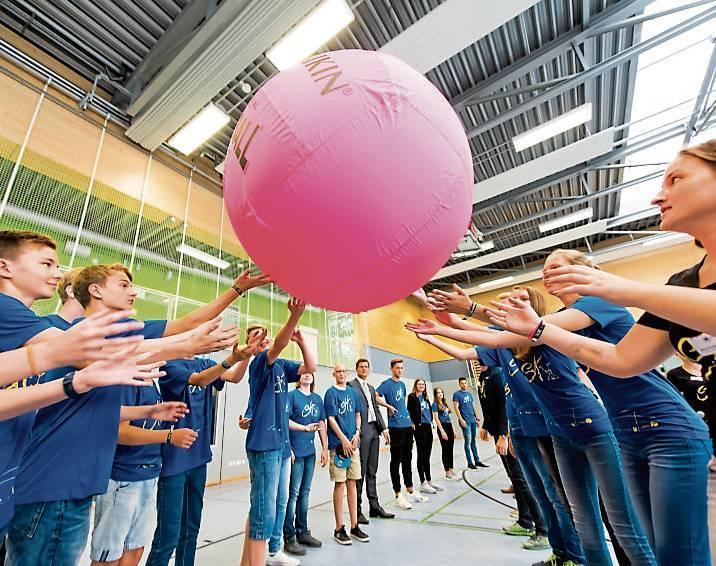 Während des Lehrgangs lernen die angehenden Sportassistenten verschiedene Übungen  kennen.   BILD: Andrea Bowinkelmann