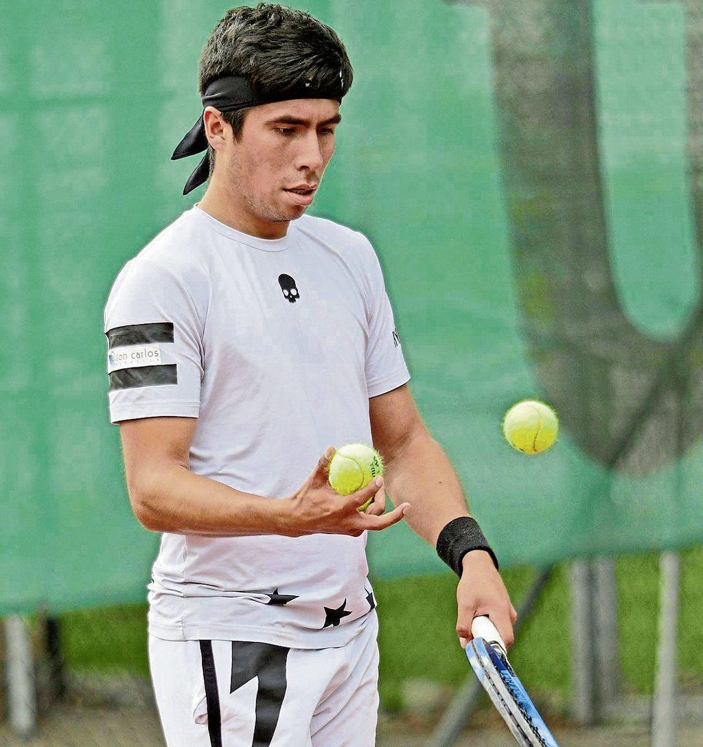 Luis-Diego Chavez-Villalpando vom TuS Sennelager 2 weist im bisherigen Saisonverlauf mit vier Einzelsiegen und drei Erfolgen im  Doppel eine 7:1-Bilanz auf.