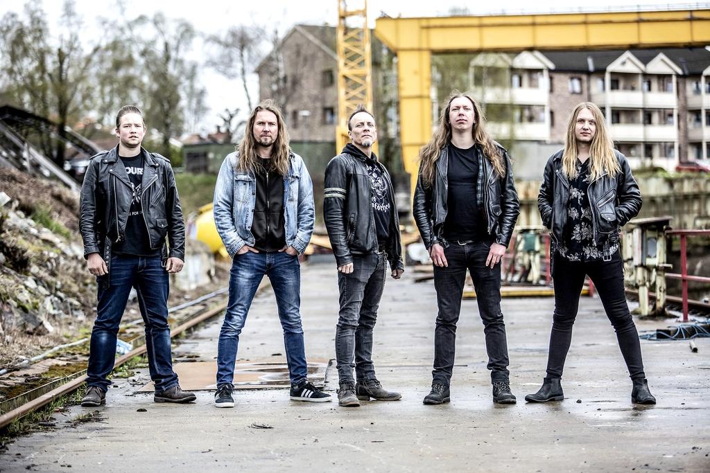 Klar: Sondre Haugen (trommer), Lars Stian Havrås (bass), John Petter Pershaug (gitar), Jan Anders Bøen (vokal) og Jens Fjelle (gitar) er klar for 20-årsdag.foto: kai Hansen