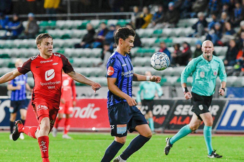 TIL KINA: John Hou Sæter kan være på vei til kinesisk fotball, og på vei bort fra Nadderud. FOTO: Joakim S. Enger