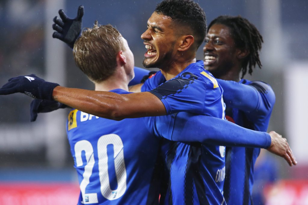 FARVEL: Ohi Omoijuanfo scoret et viktig mål da Stabæk slo Odd 3–0 i fjor høst. Nå har spissen skrevet under for Molde FK. FOTO: KNUT BJERKE