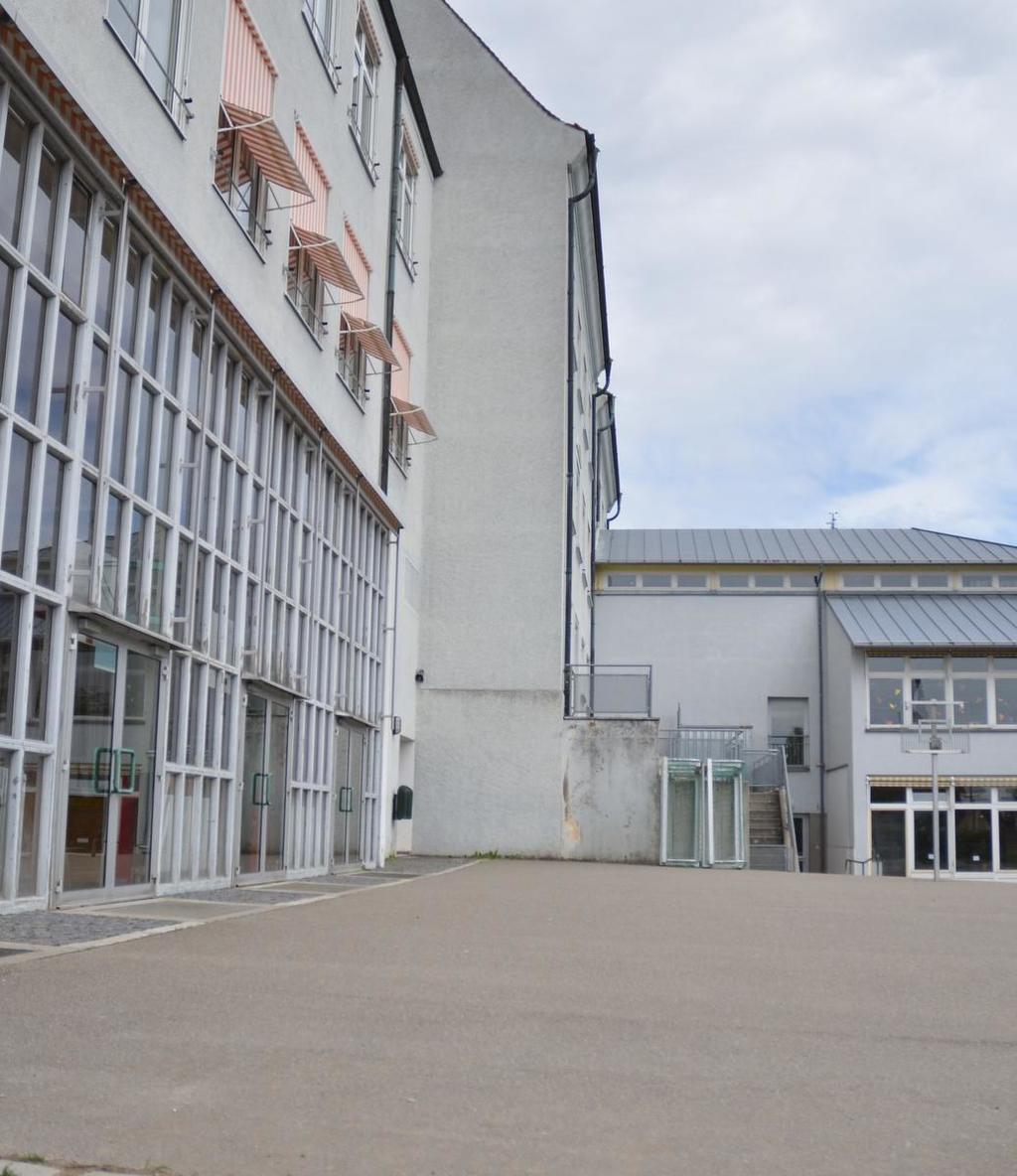 Weil die Kosten für die Jakob-Gretser-Grundschule explodiert sind, werden die Investitionen zunächst geschoben. Die Sanierung des Rathauses hingegen wird konkreter.