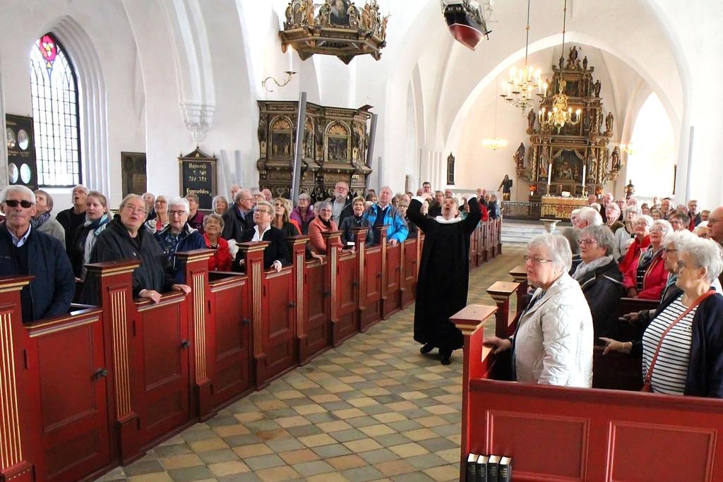 160. Så mange gik i kirke i Sankt Nikolai den sidste søndag i september 2018. Sognepræst Jesper Vigant står igen i år for fyld kirken-gudstjenesten. (FOTO: Mogens Warrer)