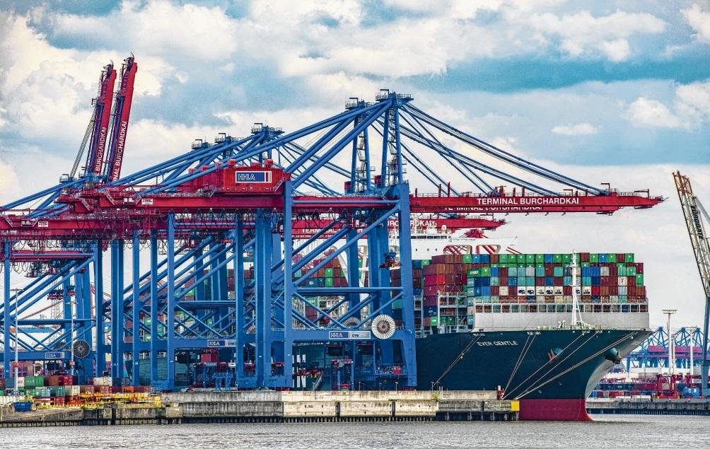 Im Langzeitrend entwickeln sich die Charts im Hamburger Hafen in ruhigem Fahrwasser – trotz des schlechteren Rankings. imago images / Hady Khandani
