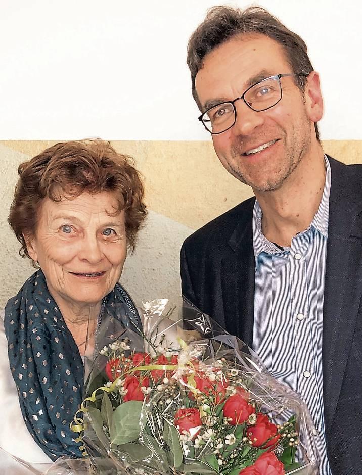 Renate Franzen wurde vom MTV-Vorsitzenden Henning Gralle für ihre Treue ausgezeichnet.BILD: Henning Janssen