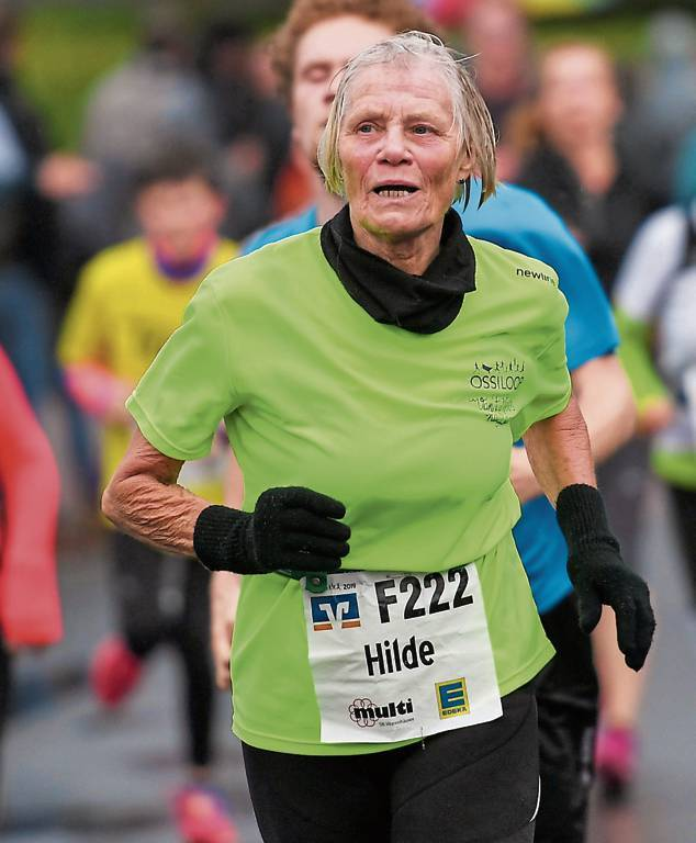 Hilde Steinke spulte 2019 bereits ihre 225. Etappe ab. Auch wenn sie eigentlich lieber  bei Hitze läuft, ist sie auch in diesem Jahr wieder dabei..   BILD: Jochen Schrievers