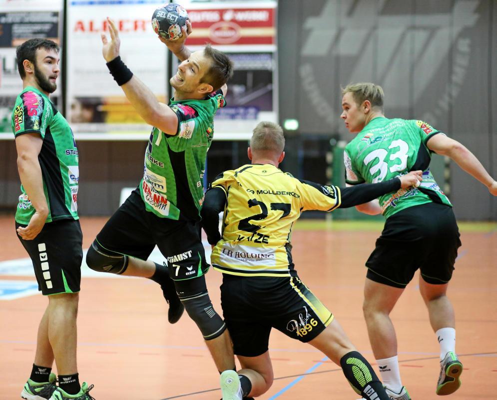 Fünf Treffer gelangen Bosko Bjelanovic beim 20:20 des HTV gegen Möllbergen.                                               <b>Dennis Echtermann</b>