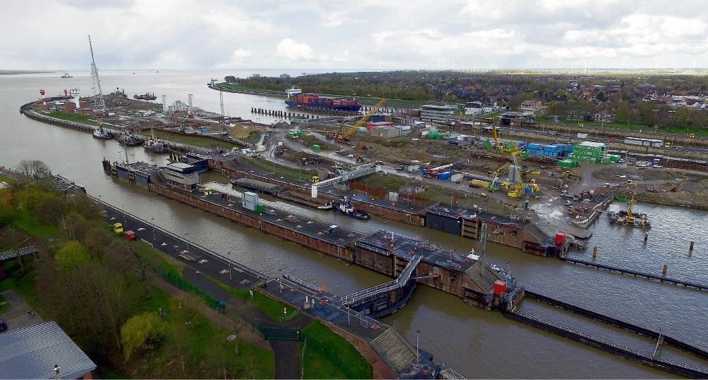 Technische Probleme, Vertragsstreitigkeiten, Verzögerungen – der Bau der fünften Schleusenkammer in Brunsbüttel macht große Schwierigkeiten. C. Rehder/dpa