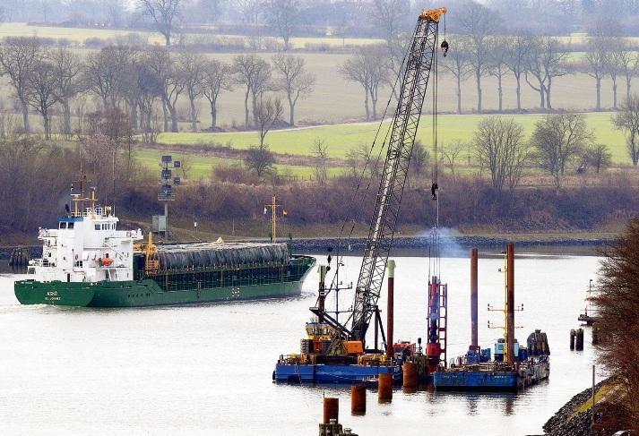 Nord-Ostsee-Kanal bei Kiel: Der Ausbau dauert länger als ursprünglich geplant. C. Rehder/dpa
