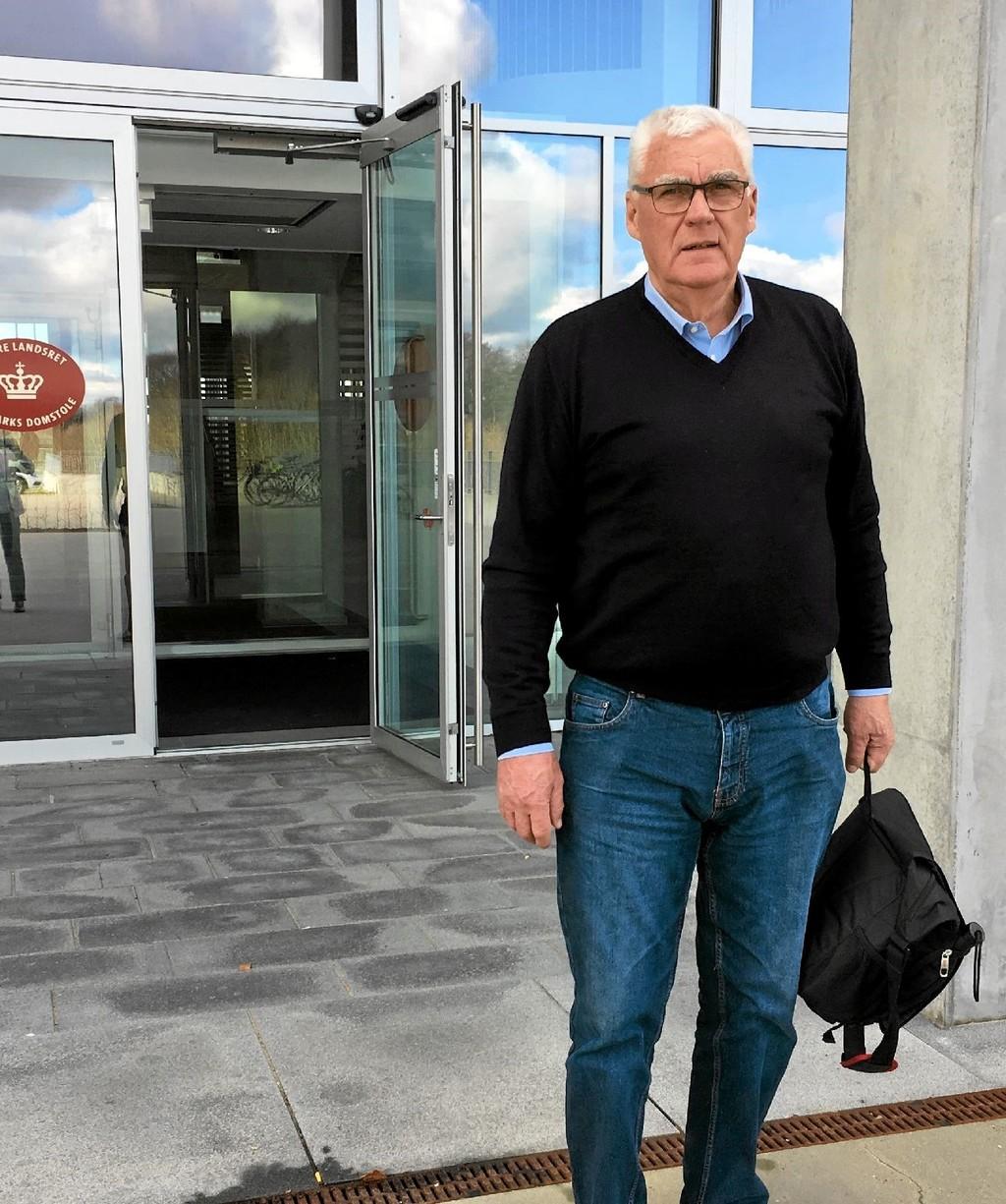 Kristian Andersen foran Vestre Landsret. Nu fortæller han om sine oplevelser. Privatfoto