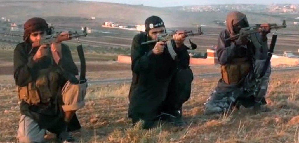 I Syrien er en række lejre med folk fra den militante bevægelse Islamisk Stat (IS) - herunder danske statsborgere. Efter den tyrkiske offensiv er der frygt for, at folk fra IS slipper væk fra lejrene.Arkivfoto: YouTube/Ritzau Scanpix