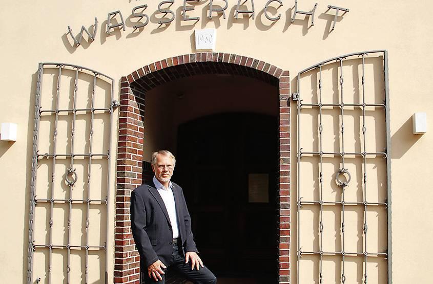 33 Jahre Geschäftsführer der Ammerländer Wasseracht: Richard Eckhoff geht in den Ruhestand . BILD: Tom Ole Theilken