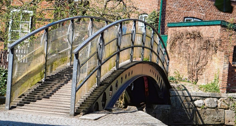 """Der Weg über die Brücke vom Heiligengeist in der Nähe von """"das Blaue Haus"""" wird nun öffentlich. Niemeier"""