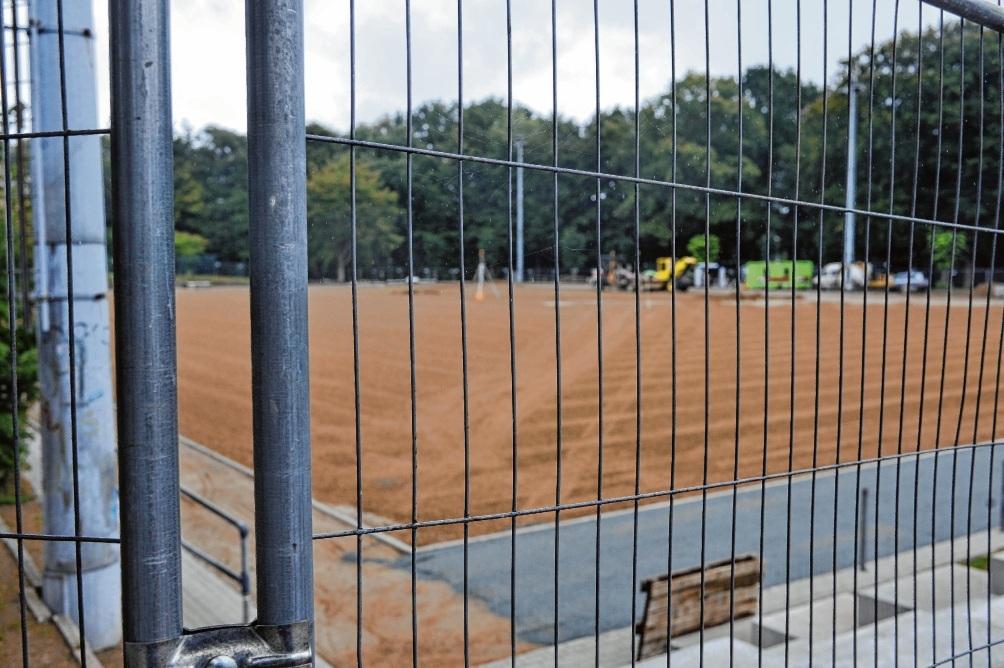 Während der Bauphase war der Exer eingezäunt. Der VfL möchte so einen Bauzaun noch vor dem Vogelschießen haben. Ol