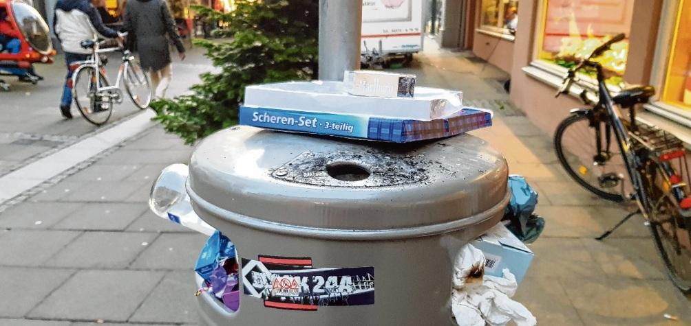Überfüllte Mülleimer gehören zu den Punkten, die viele Passanten in Oldesloe kritisieren. Nie