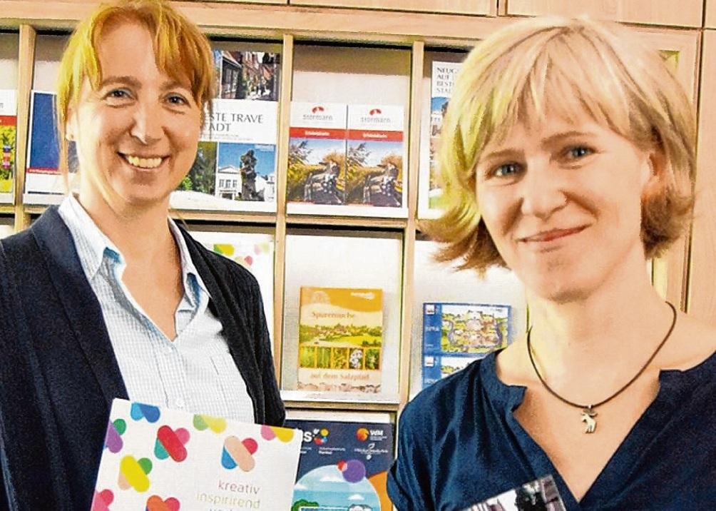 Motiviert und engagiert in der Stadtinfo: Manja Eggers (l.) und Anja Lübben. Nie