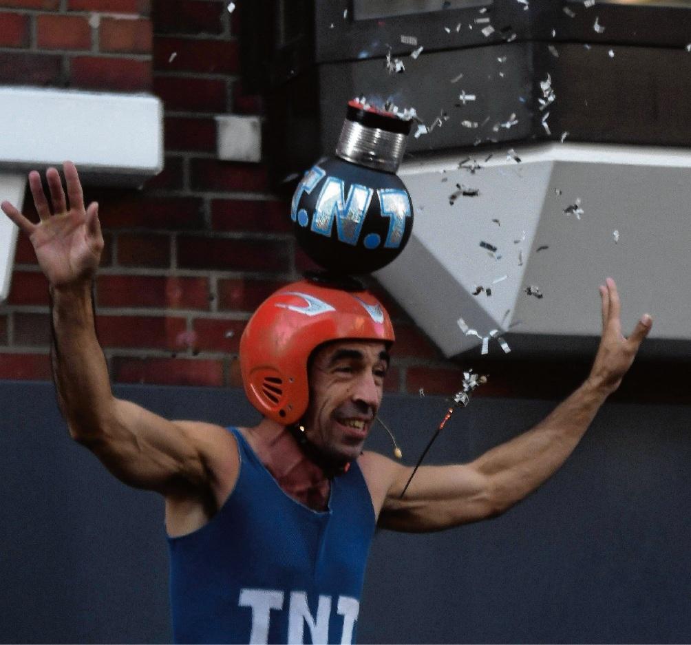 """Mr. Vita  als """"Mr.TNT""""."""