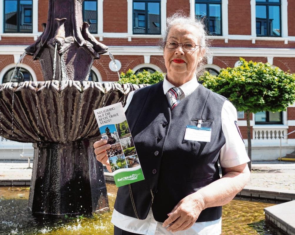 Sie ist seit 25 Jahren Stadtführerin in Bad Oldesloe: Sieglinde Demiss-Voigtmann. finn fischer