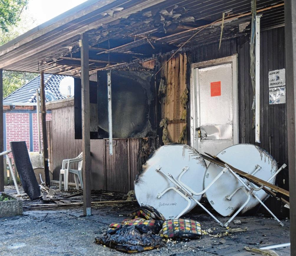 Bei dem Feuer entstand ein Schaden von 15.000 Euro.
