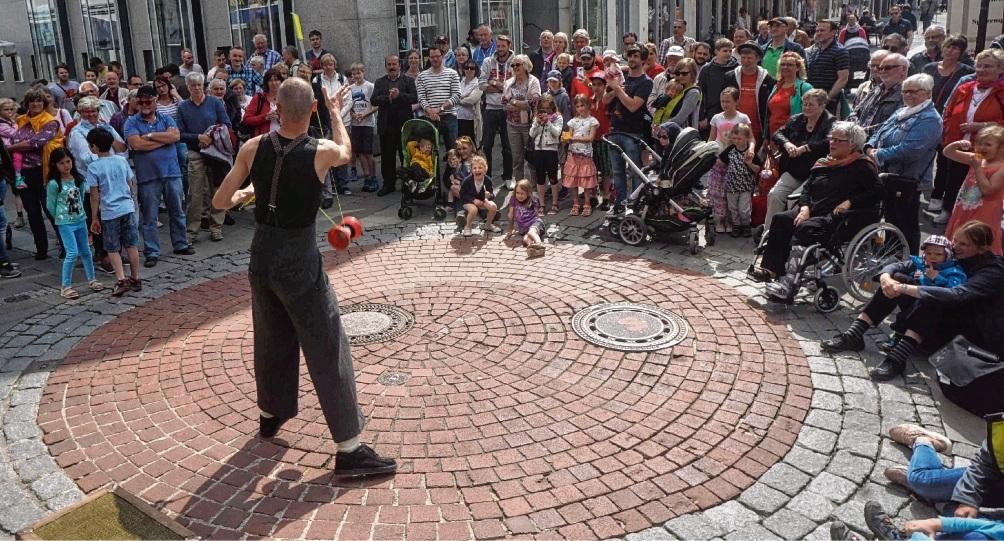 """Idealfall: Veranstaltungen, die den verkaufsoffenen Sonntag in der gesamten Innenstadt beleben wie  """"Pflasterart"""".Nie"""
