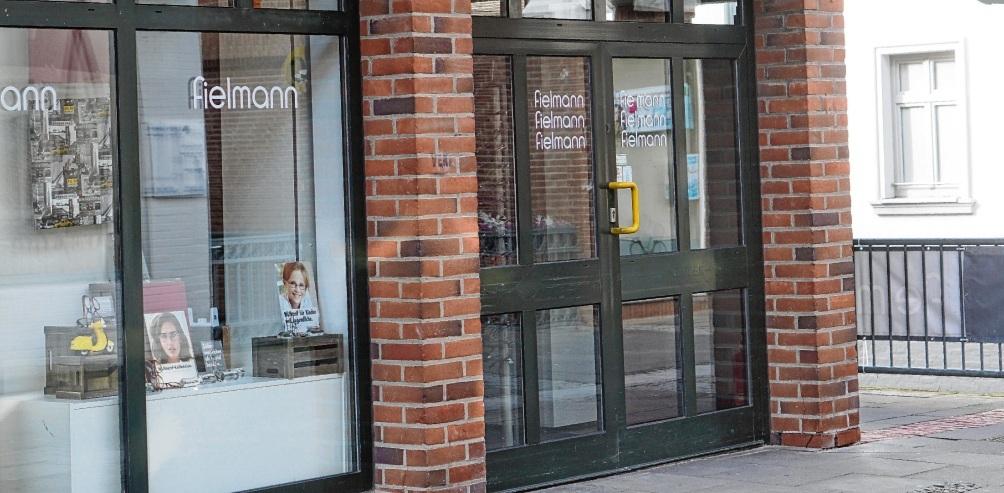 Leerstand temporär behoben: Fielmann zieht übergangsweise in den ehemaligen Neudek-Shop in der Mühlenstraße. Nie