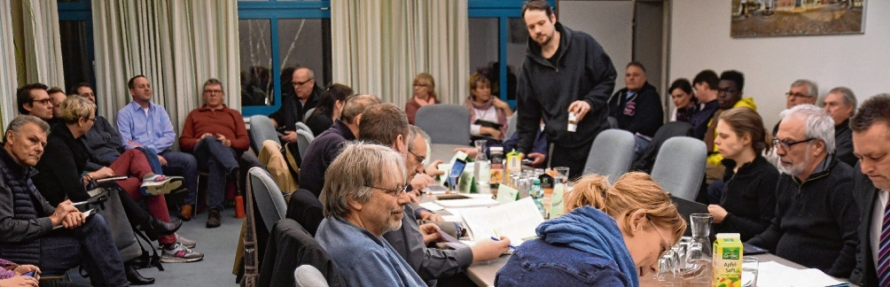 Der  Oldesloer  Wirtschafts- und Planungsausschuss tagte zuletzt am 9. März.Nie;Großes Interesse an der WPA-Sitzung.Niemeier