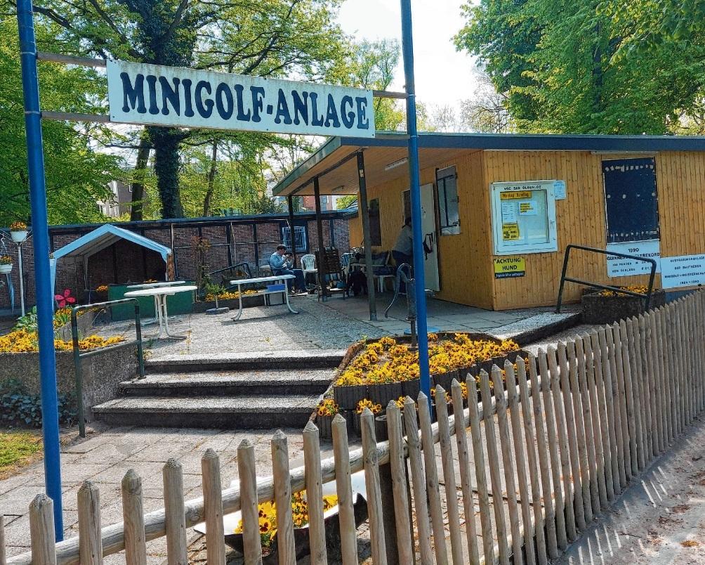 Die frisch sanierte Minigolf-Anlage.Nie