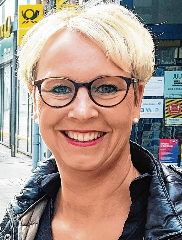Kampagnenplakat: Nicole Brandstetter in der Innenstadt.Nie;Kampagnenplakat: Nicole Brandstetter in der Innenstadt.Nie