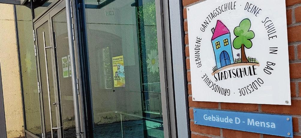 Mensa ohne Betreiber: Schon ab Dienstag stehen Stadtschulleiterin Sabine Prinz (kleines Fotos)  und andere Grundschulen der Stadt ohne Caterer da. nie