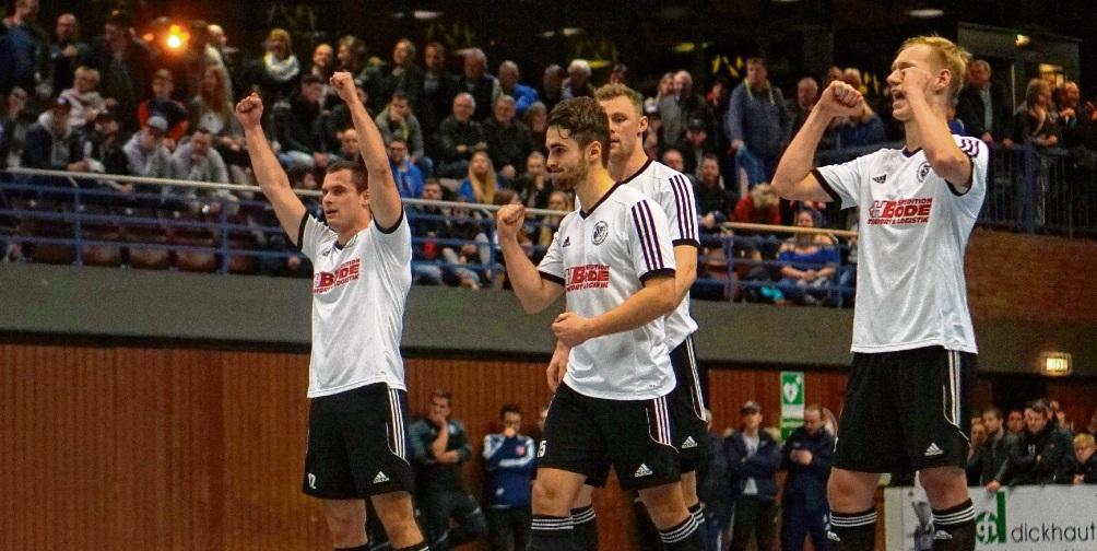 Turniere wie der Rudi-Herzog-Pokal füllen die Tribüne der Stormarnhalle. Niemeier