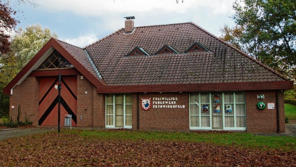 Das Feuerwehrgebäude im Ortsteil Rethwischfeld. Für den Bau der Garage sind 295.000 Euro einkalkuliert. Fischer