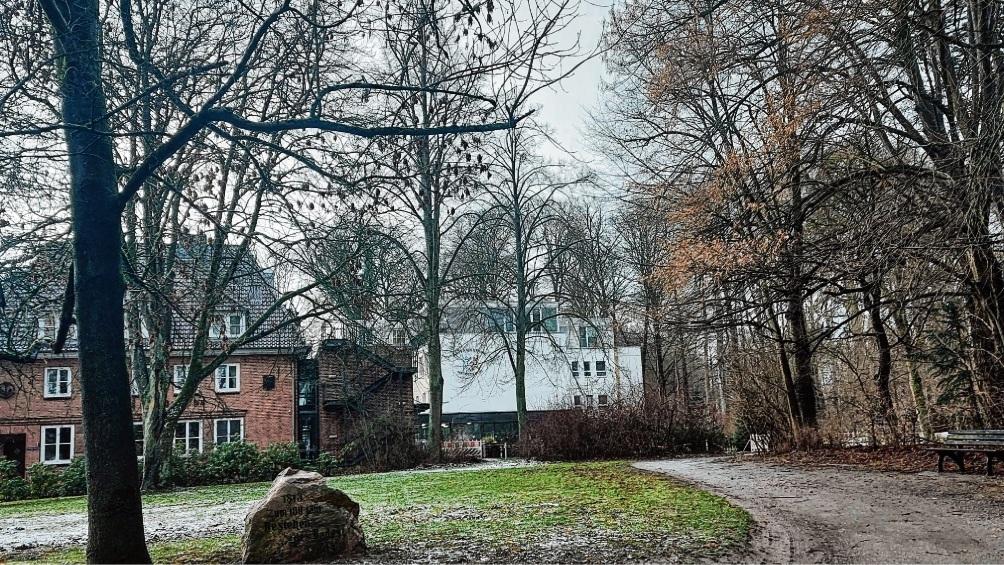 Das Pflegeheim am Kurpark in Bad Oldesloe möchte anbauen – aber der Seniorenbeirat wehrt sich gegen eine Bebauung des Landschaftsschutzgebiets.  niemeier