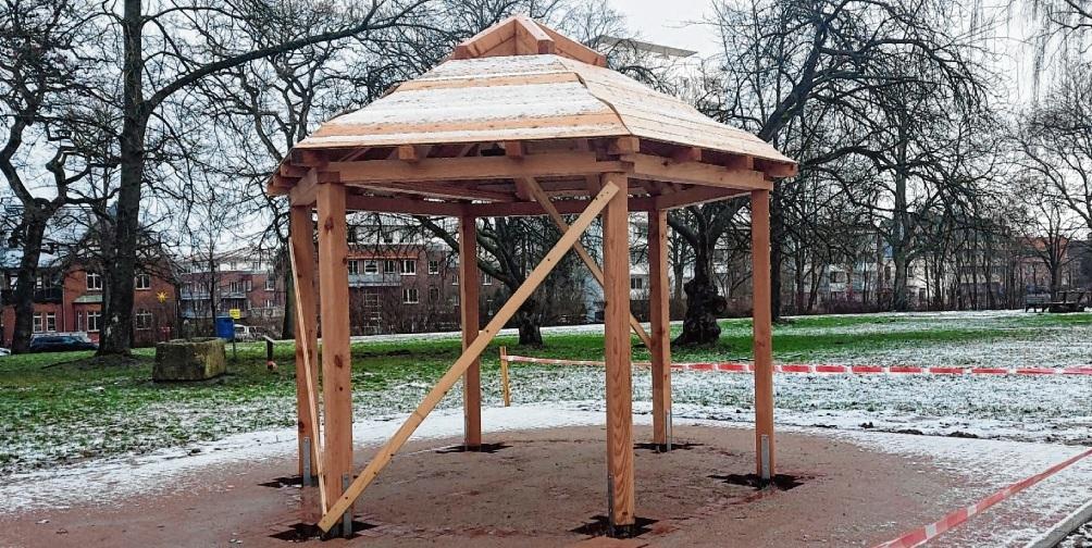 Aktuell befindet sich die Grillhütte im Bad Oldesloer Kurpark noch im Bau.  niemeier