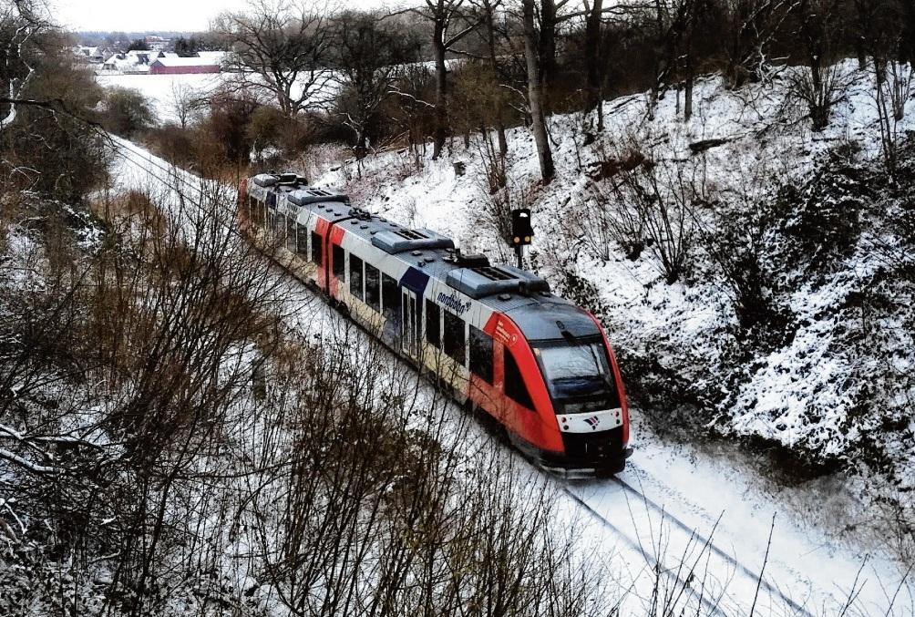 Die Nordbahn unterwegs hinter dem Baugebiet Steinfelder Redder in Bad Oldesloe.  finn Fischer