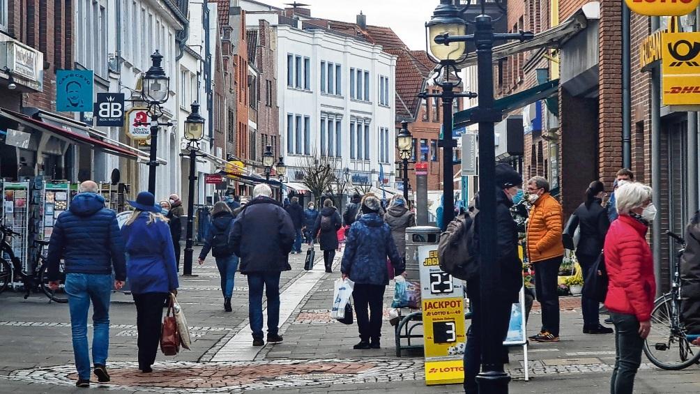In den Innenstädten dürfen ab heute wieder mehr Geschäfte öffnen.  Patrick Niemeier