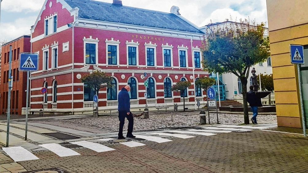 Der neue, kleine Zebrastreifen am Marktplatz über die Hagenstraße.  Patrick Niemeier