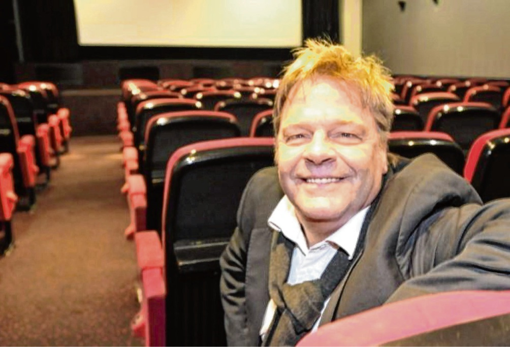 Heinz Wittern freut sich, nach acht Monaten sein Kino wieder öffnen zu dürfen.  Andreas Olbertz