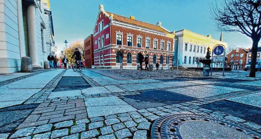 Das Pflaster in der Hagenstraße muss dringend saniert werden. Oder wird es doch eine Fußgängerzone?