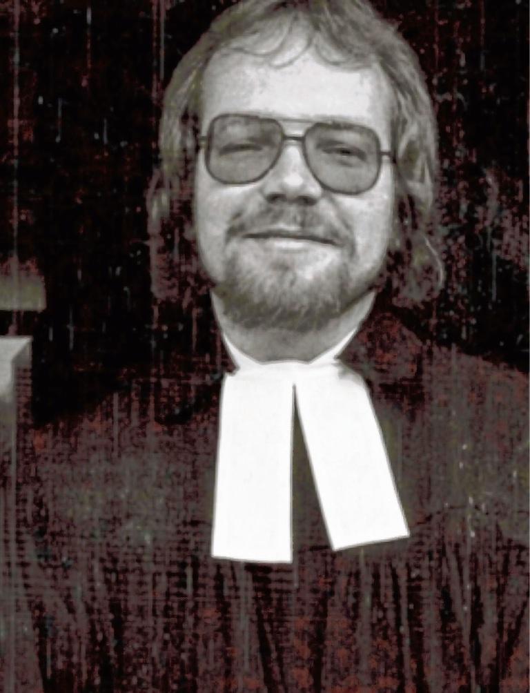 1983 wurde Volker Hagge im Lübecker Dom ordiniert.  Privat
