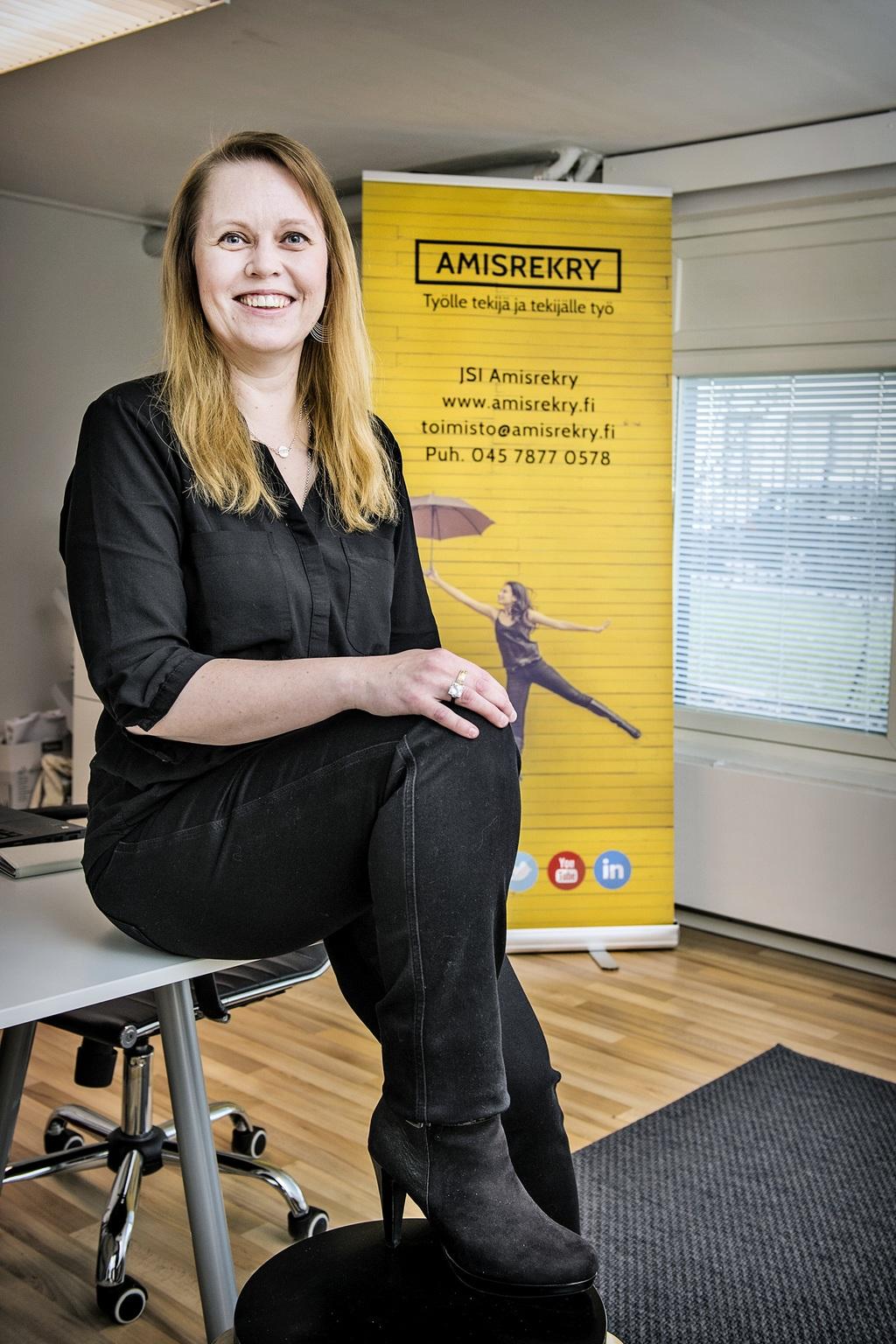 aAmisrekryn toimitusjohtaja Sanna Järvinen uskoo, että Varsinais-Suomessa riittää töitä perusammattilaisille. Amisrekry tarjoaa yrityksille toisen asteen ammattilaisten rekrytointipalvelua.