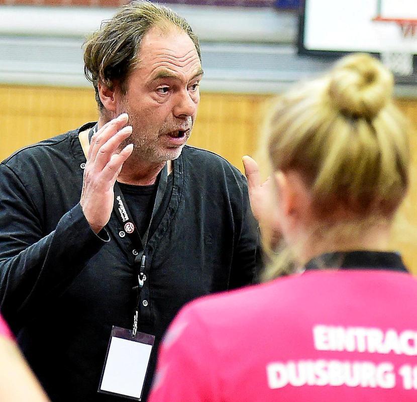 Eintracht-Trainer Janosch Greinert vor dem Derby.                                              <b>Udo Gottschalk</b>