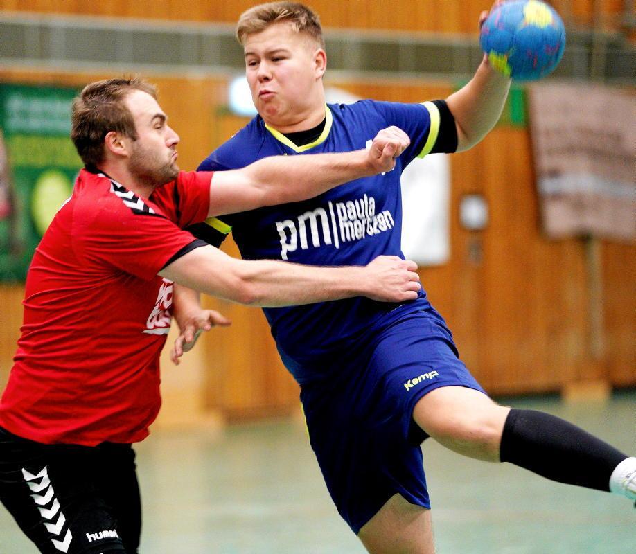 Raphael Schürmann (A09) stoppt Joel Sonnenberg (TVC)                                              <b>Gohl</b>