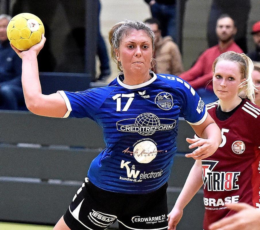 Drei Treffer für die SG ETSV warf Annika Albus (v.).                                              <b>Theobald</b>