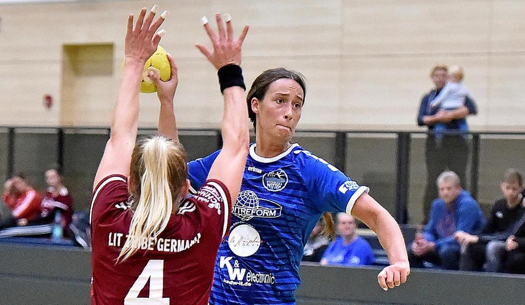 Auch ihre zehn Treffer waren nur ein Tropfen auf den heißen Stein bei der SG ETSV Ruhrtal: Norina Migat (re.) versuchte alles.                                              <b>Jürgen Theobald</b>