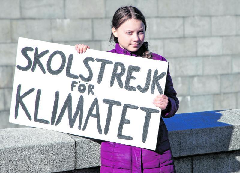 Mit diesem Schild wurde Greta Thunberg berühmt. Übersetzt bedeutet der Satz: Schulstreik für das Klima.