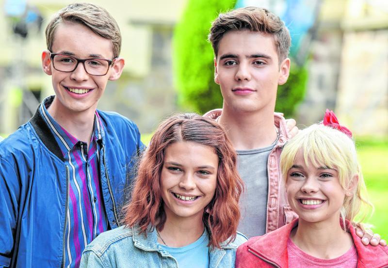 """""""Bibi & Tina"""" gibt es auch als Amazon-Serie. In ihr sind Benjamin Weygand als Alexander von Falkenstein (von links), Harriet Herbig-Matten als Tina, Christoph Moreno als Chico und Katharina Hirschberg als Bibi zu sehen."""