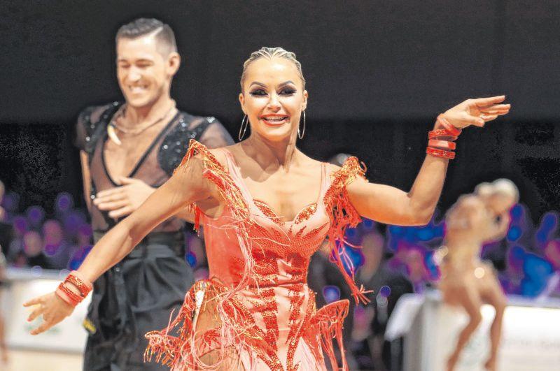 Timur Imametdinov und Nina Bezzubova tanzten hinreißend und konnten ihren Meistertitel des Vorjahres dennoch nicht erfolgreich verteidigen.