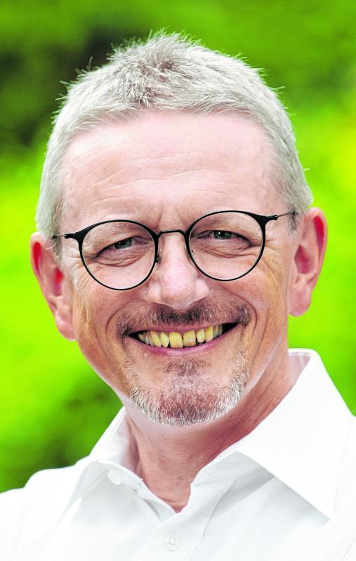 Die Kandidatur von Landrat Bernd Lütjen (SPD) wird auch von der CDU unterstützt. Die erneute Kandidatur von Landrat Bernd Lütjen (SPD) wird auch von der CDU unterstützt.