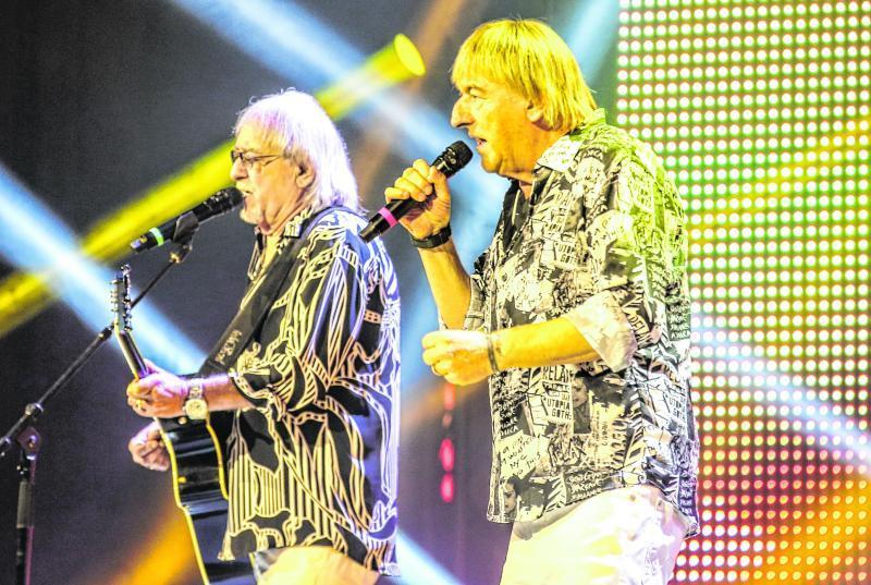 Vor 1100 Besuchern präsentierten die Amigos in der Stadthalle Schlager und volkstümliche Lieder – und begeisterten ihr Publikum.