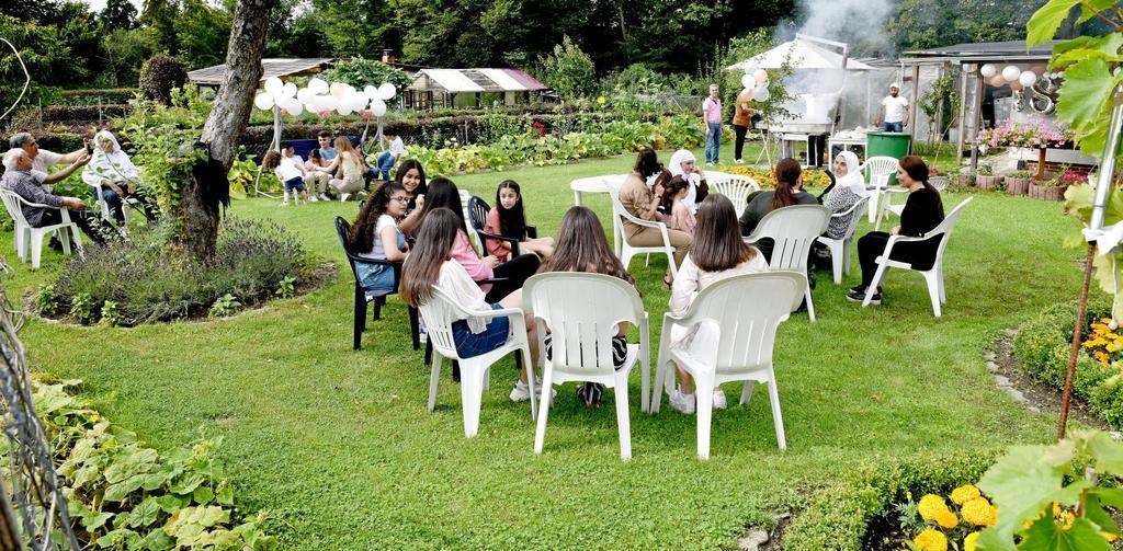 Eine Kleingartenanlage ist prädestiniert für Familienfeiern – etwa hier beim Kleingartenverein Am Laagberg,